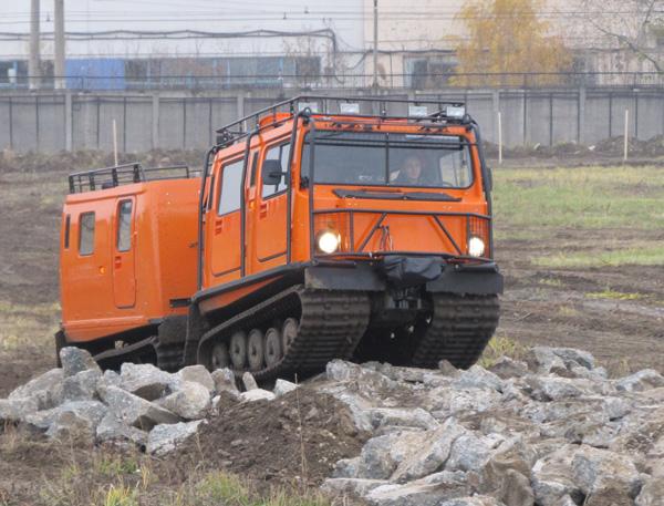 «Группа ГАЗ» представляет новые модели гусеничных снегоболотоходов