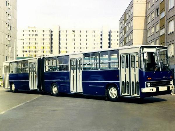Версия городской модели 280 для левостороннего движения. В бело-красной окраске в 1978-80 годах было поставлено 124 автобуса в Мозамбик. Ikarus 282 (1978–1980)