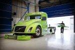 Гибрид грузовика Volvo в гонке обошел Ferrari