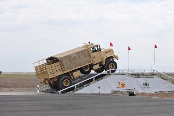 Вездеход КрАЗ-5233ВЕ «Спецназ» представлял национальный оборонно-промышленный комплекс на «КАДЕКС-2012»