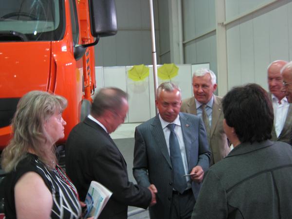 Автомобиль-мусоровоз КрАЗ К16.2R получил высокую оценку на выставке «Экология 2012» в Донецке