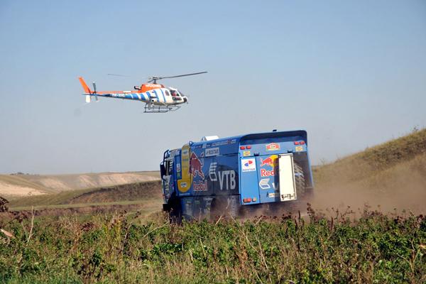 Третий этап ралли «Шёлковый путь-2012» завершился победой пилота команды «КАМАЗ-мастер» Эдуарда Николаева