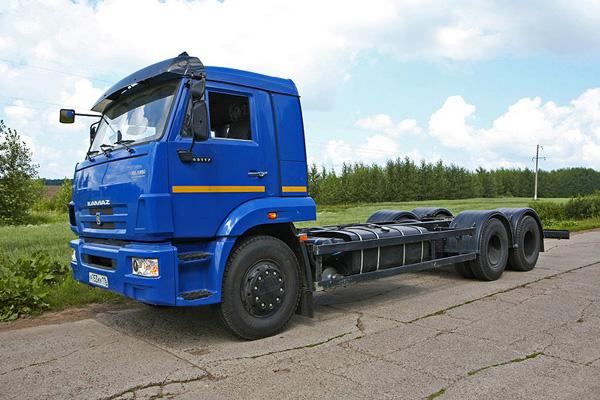 КАМАЗ-65117 в специальной комплектации на пневмоподвеске