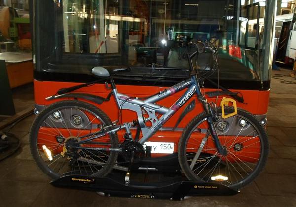 ЛиАЗ с креплением для велосипедной парковки