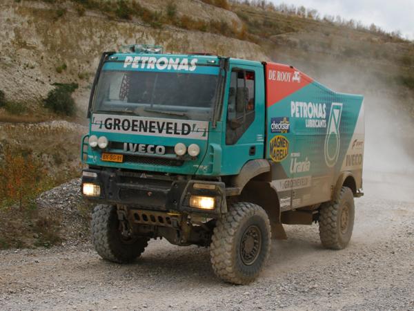 Болиды Iveco с двигателями FPT Industrial на ралли «Дакар-2013»: все внимание на силовые агрегаты