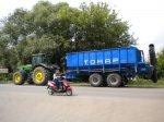 В Тамбовской области прошли испытания тракторного прицепа Тонар-ПТ-4 с уста ...