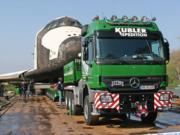 Mercedes-Benz Actros – отвез ''Буран'' в Технический музей